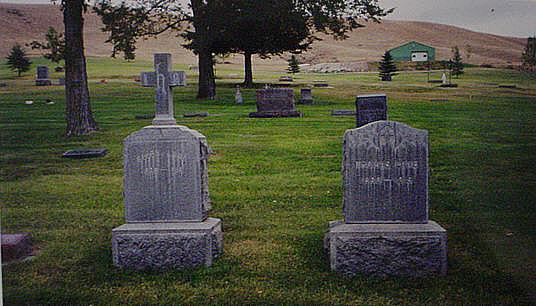 thomasellengravestones.jpg